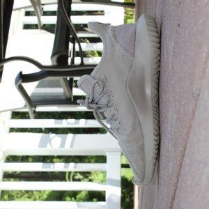 Adidas Tubular Child Size 3.5